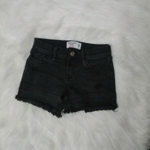 🌵Abercrombie Kids Black Midi Shorts | Distressed